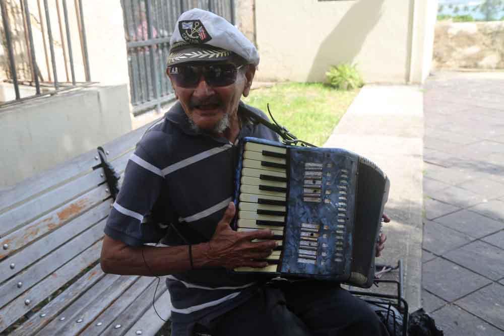 Old San Juan Street Performer