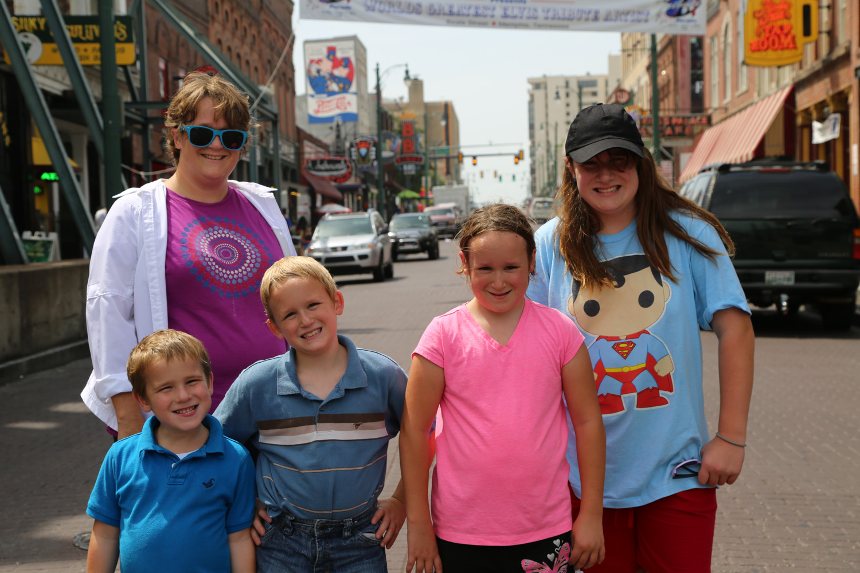 Beale Street – Walking in Memphis
